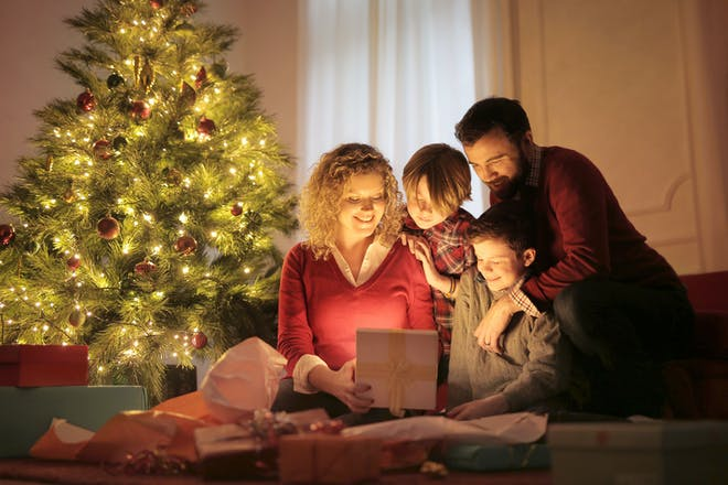 Family doing a Christmas quiz