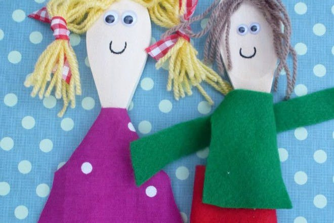 wooden spoon people puppets