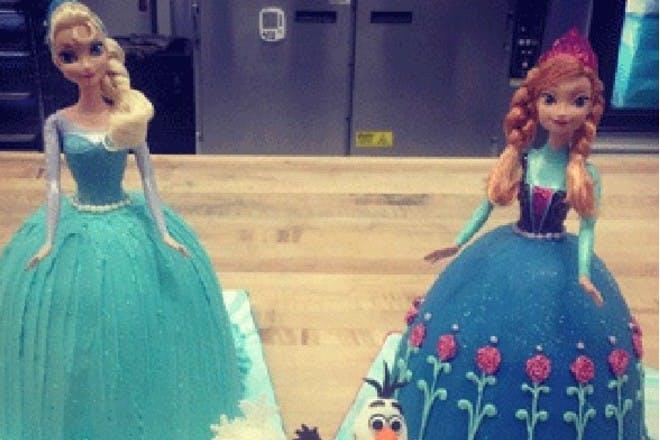 Bake Anna and Elsa cakes