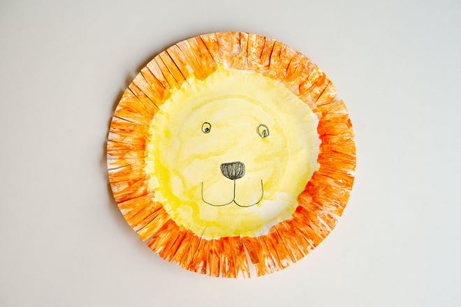 Plate painted to look like a lion