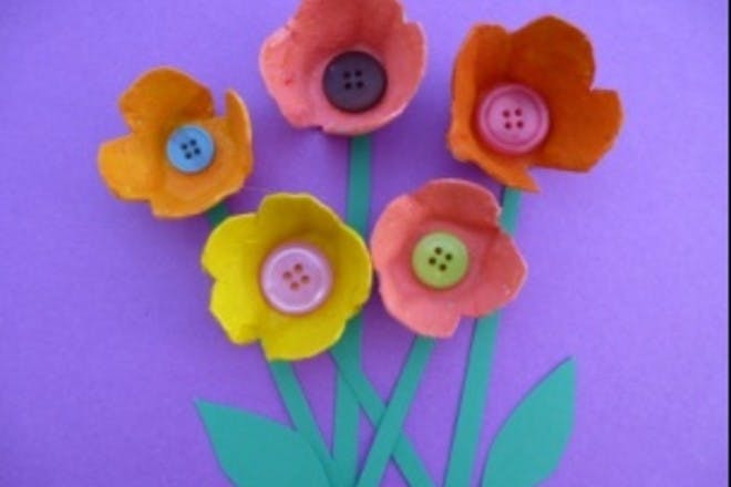 How to make egg box flowers: easy step-by-step instructions