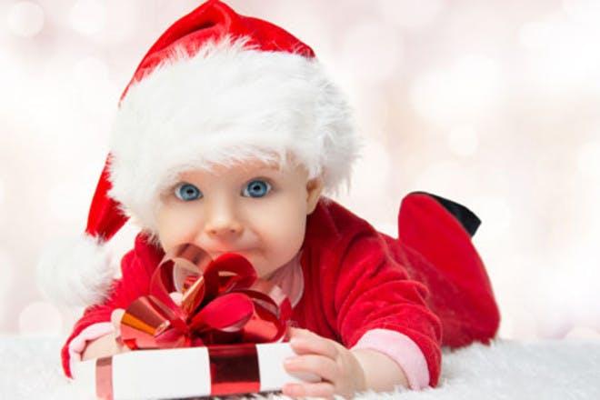 30 festive baby names