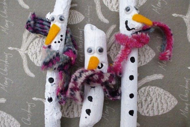 25. Stick snowmen