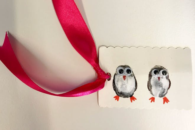 Penguin gift tags