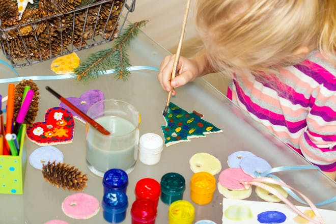 33 Christmas crafts to make with your kids