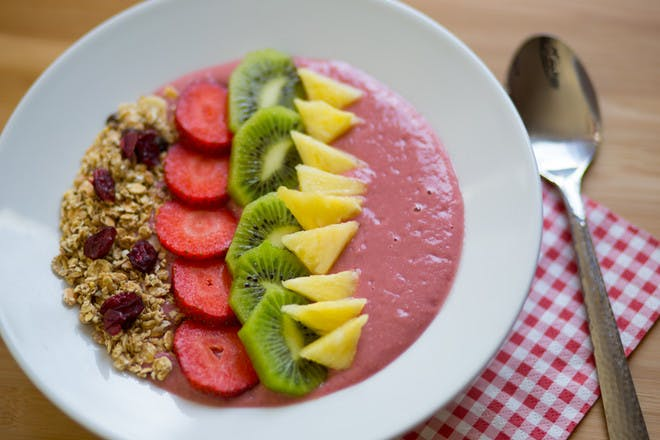 24. Rainbow smoothie bowl