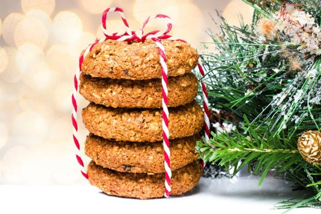 cookies tied with string