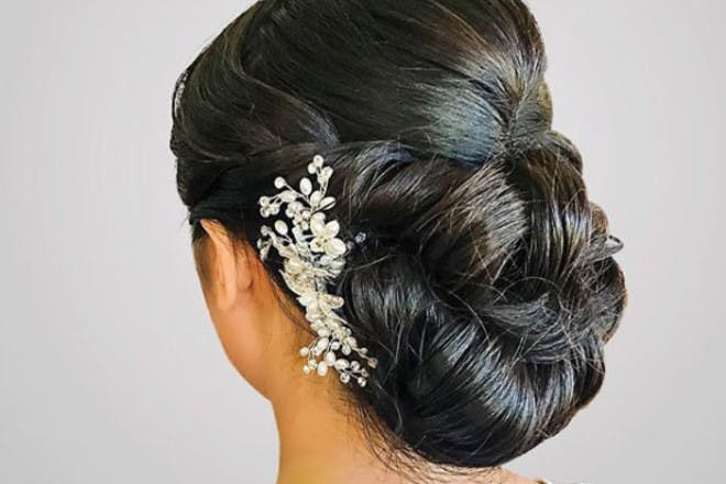 15. Knot updo