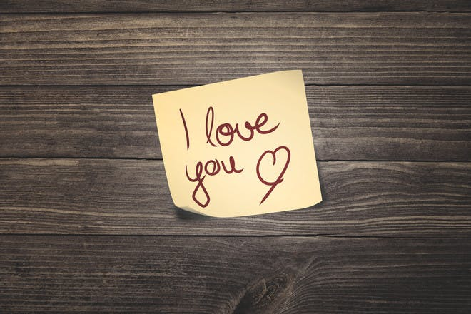 'I love you' post-it note