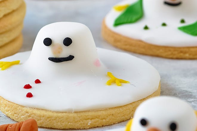 Melted snowman biscuits recipe. Easy Christmas biscuits to make and decorate with the kids