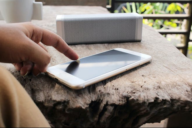 Smartphone with speaker