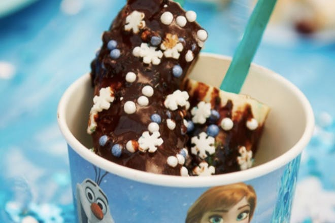 Frozen chocolate banana pops