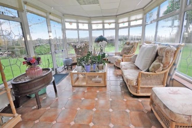 Stacey Solomon conservatory country house