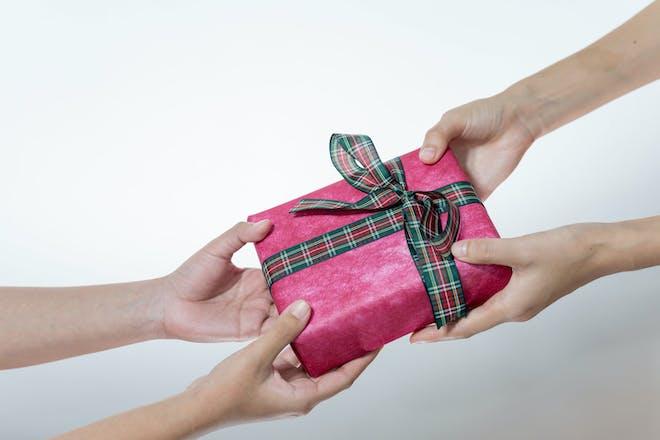 Festive pass the parcel