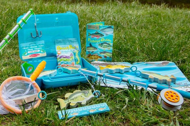 Melissa & Doug toy fishing set