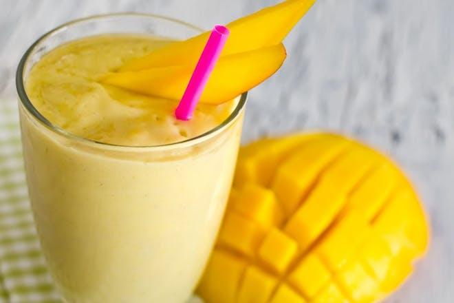 34. Banana and mango smoothie