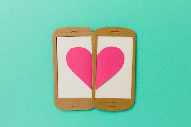 Love heart phone cookies