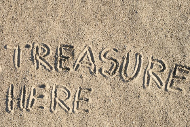 16. Sand treasure hunt