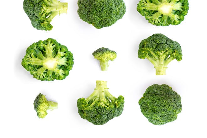Broccoli to show the size of a baby at 25 weeks pregnant