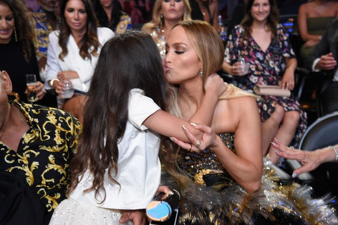 Jennifer Lopez kissing daughter
