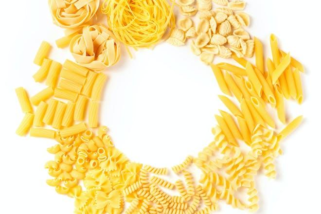 Dried pasta wreath craft