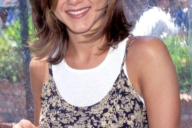Jennifer Aniston hairdo The Rachel