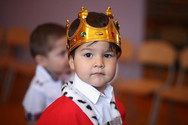 Mini Kings and Queens theme