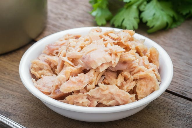 A bowl of tinned tuna