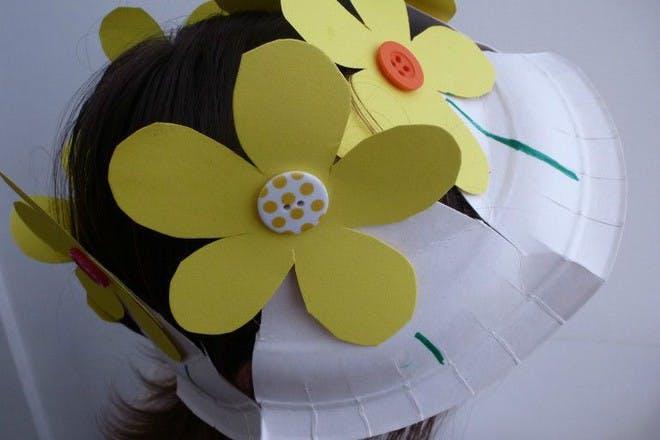 paper plate flower hat