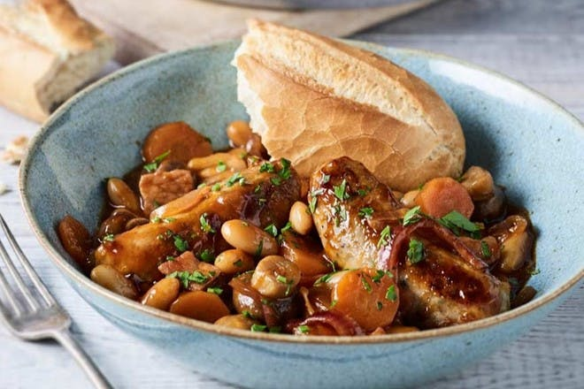 81. Barbecue sausage and bean stew