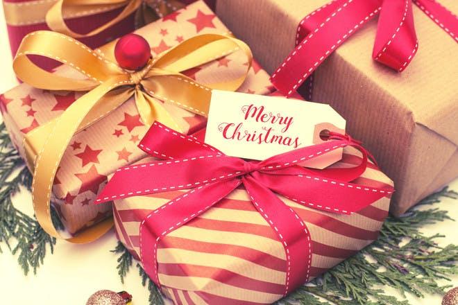 11 Christmas gift tag templates