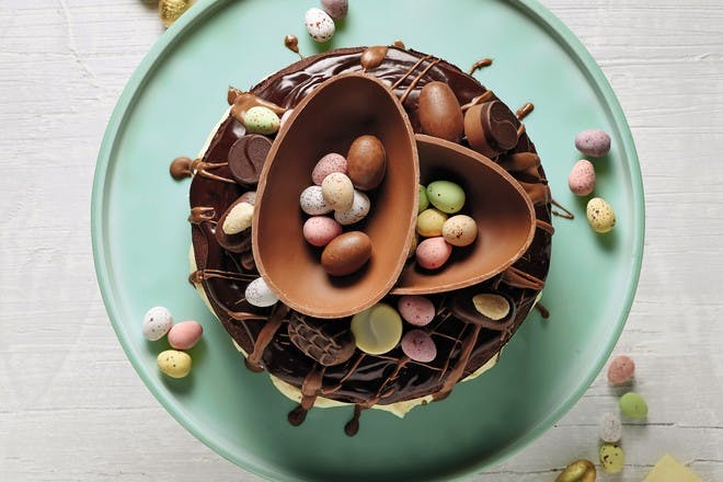 Easter chocolate cake recipe. Chocolate cake topped with Easter eggs
