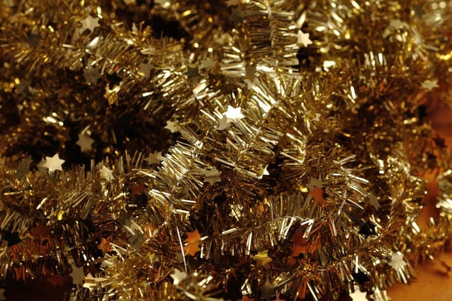 gold tinsel with star detail
