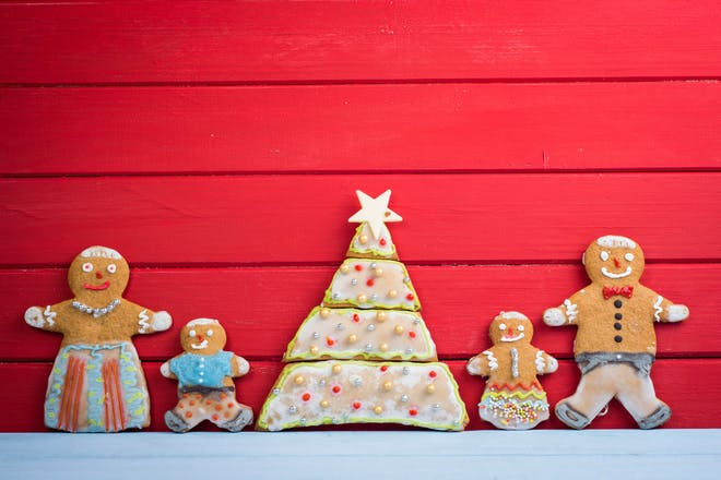 Gingerbread family and Christmas tree