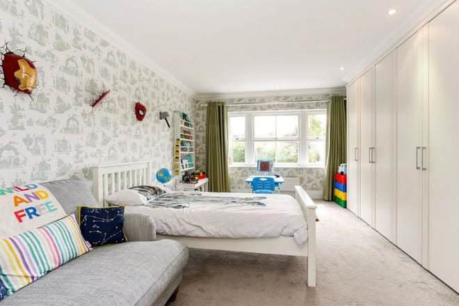 Glynswood Place, Northwood, Middlesex, bedroom