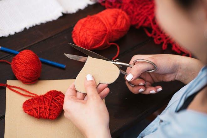 2. Yarn hearts (step 1)