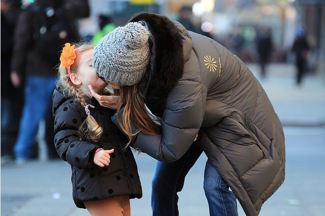 Sarah Jessica Parker Sarah Jessica Parker kissing daughter
