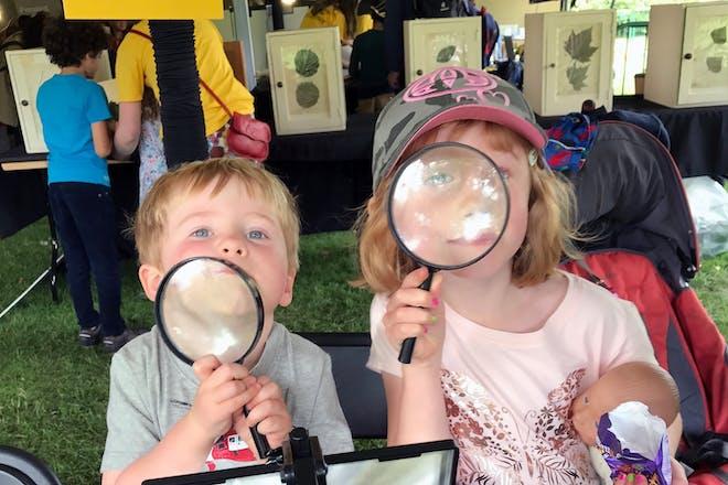 Kids at the Royal Botanic Gardens, Kew