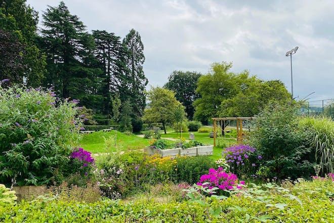 Stratford Park, Stroud, Gloucester
