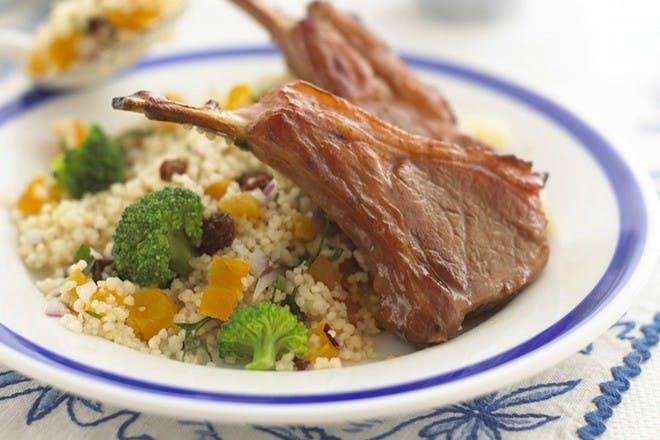 Lamb chops with garlic, lemon & thyme