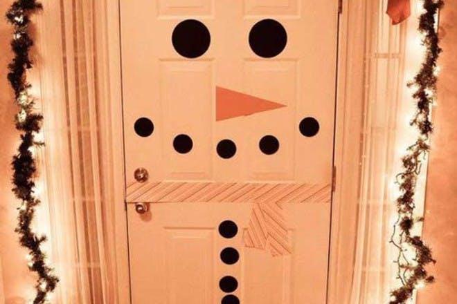 diy snowman door decoration