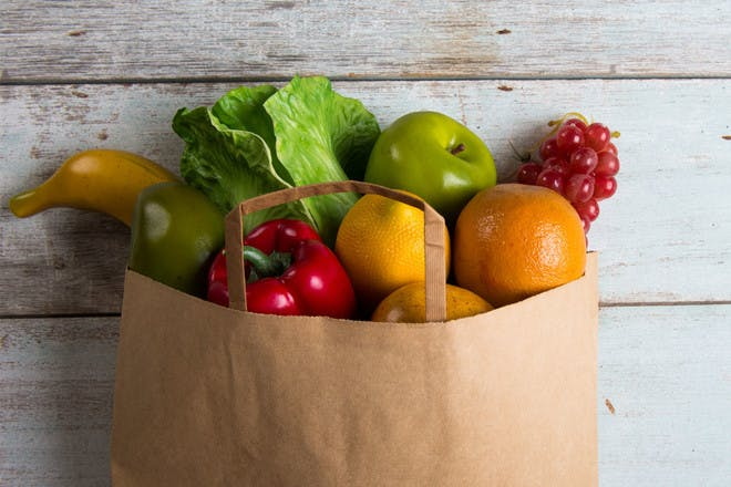 10 ways to spend less when you go food shopping