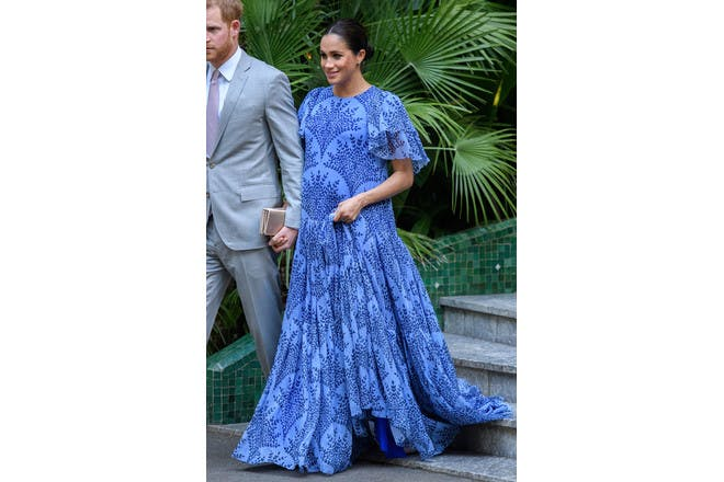 Meghan Markle pregnant in blue dress