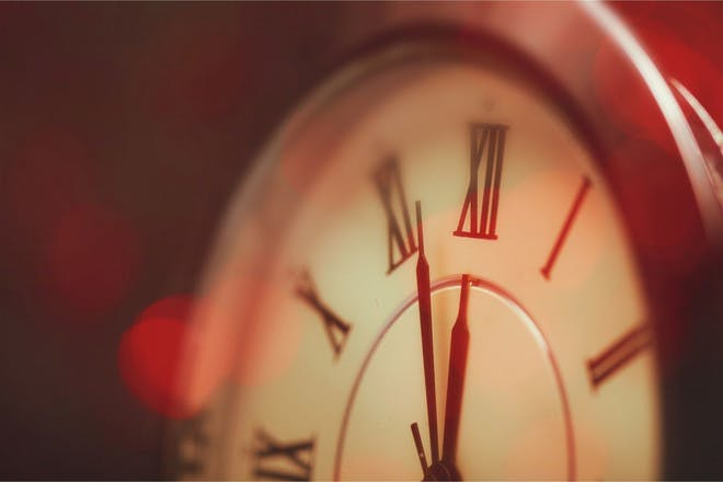 clock at five to 12