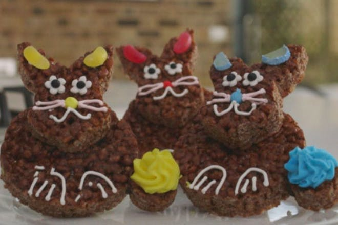 12. Easter bunny cakes
