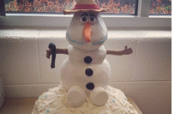 Make an Olaf cake