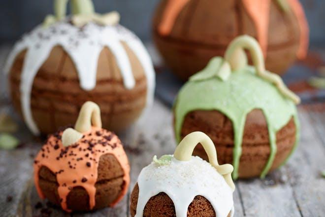 Mini pumpkin cakes