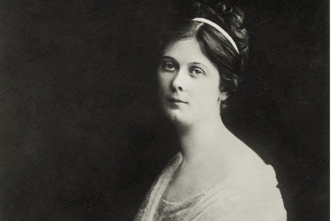 25. Isadora
