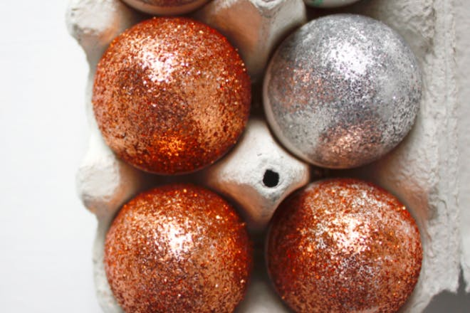 18. Sparkly Easter eggs