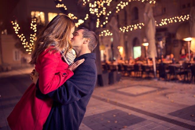 Date night ideas that don't break the bank